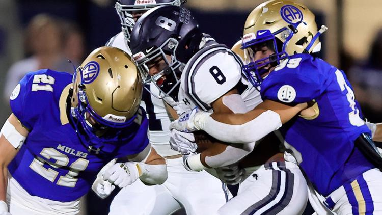 Alamo Heights squeaks out victory in tight matchup with Boerne Champion