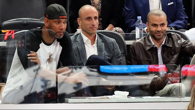 BKN Spurs Big Three watches Cavs-Spurs game on jersey retirement night