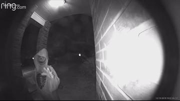Stranger in skeleton costume creeps out San Antonio homeowner