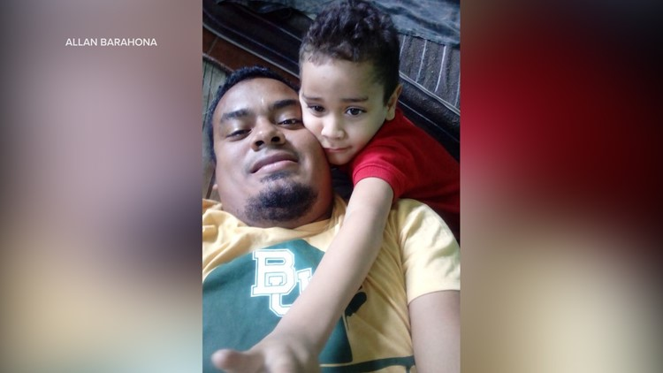 Photo of Allan Barahona and his 5-year-old son Diego taken in Mexico during their journey to the US
