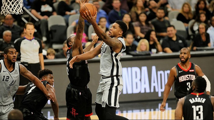 BKN Spurs forward Rudy Gay goes up for a shot against the Rockets 11302018