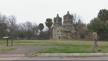 Visitors to San Antonio's missions feeling effects of government shutdown