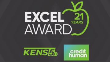 Kim Kainer wins KENS 5 Credit Human EXCEL award for Alamo Heights ISD