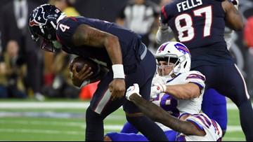 Watch Deshaun Watson's unbelievable overtime escape that set up the game-winning kick