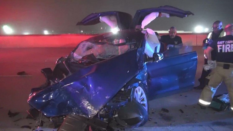 5 Houston-area officers injured in crash sue Tesla over autopilot feature