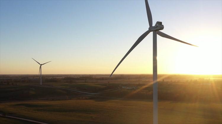 Two Democratic senators propose clean energy tax credits