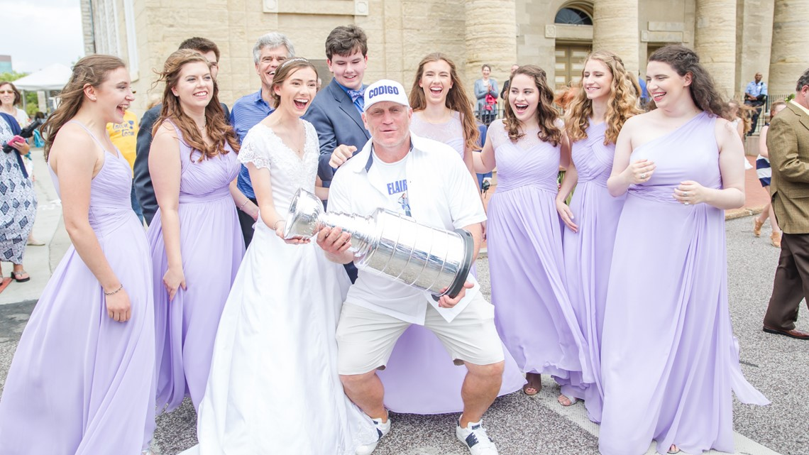 The Blues crashed their wedding, but they're not mad about it!