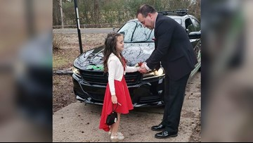 Arkansas police officer takes 2nd grade girl to daddy-daughter dance