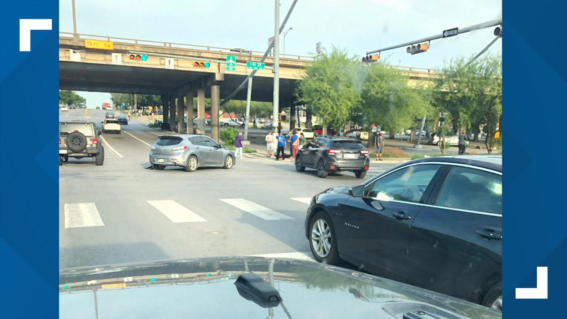 VERIFY: Did homeless people cause Monday's car crash in Downtown Austin?
