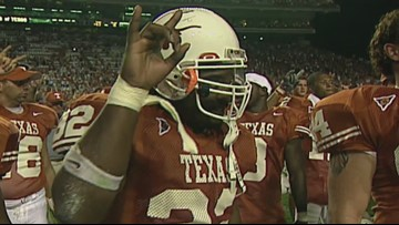 Texas Longhorns, UT fans honor Cedric Benson with moment of silence before Louisiana Tech game