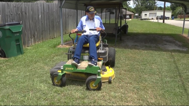 94-year-old World War II vet, New London survivor stays active by mowing neighbors' lawns