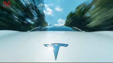 Tesla's New Autopilot Update Drives Like a 'Kid Behind the Wheel for the Very First Time'