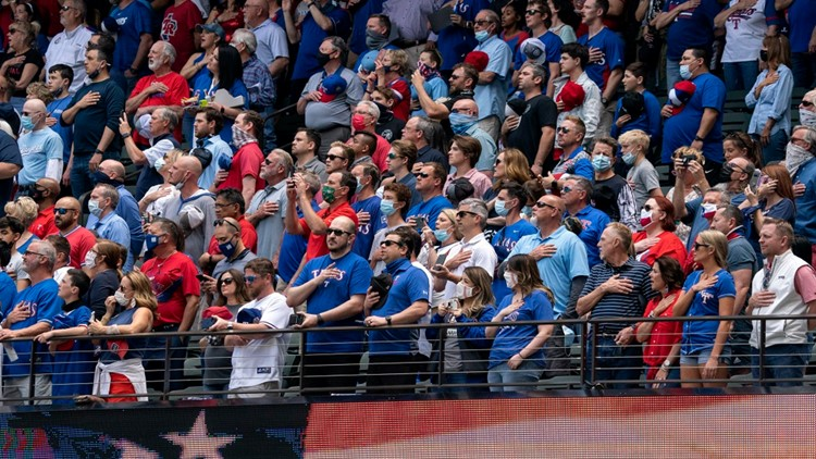 Rangers draw near-capacity crowd, see dearth of masks, as they lose home opener