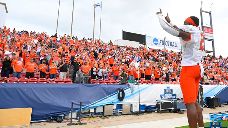 From Nigeria to national champion: Mansfield's Ife Adeyi makes game-winning catch for Sam Houston football