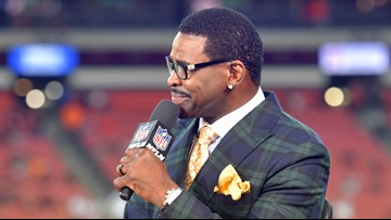 Michael Irvin challenges Jerry Jones to 'write that embarrassing check'
