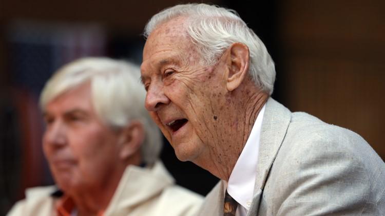 Former Cleveland Indians catcher Hal Naragon dies at 90