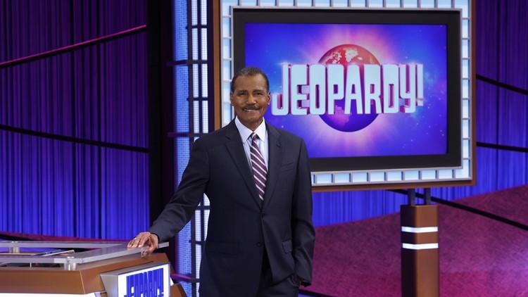 Bill Whitaker steps in as next 'Jeopardy!' guest host
