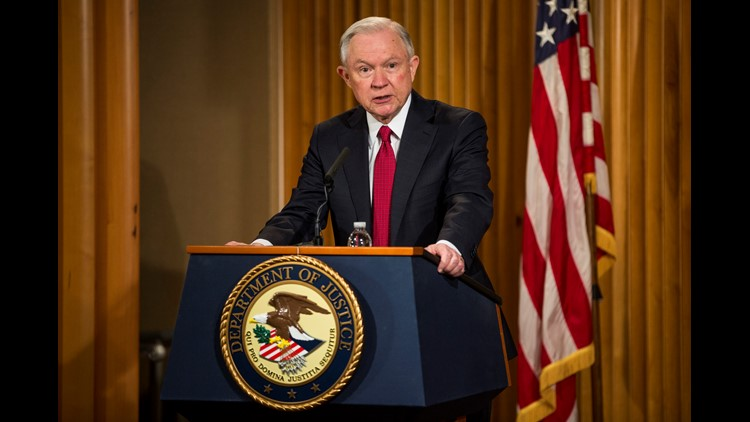 <p>WASHINGTON — The White House didn't know that Attorney General Jeff Sessions had twice met with the Russian ambassador during the presidential campaign until the story broke Wednesday night, a White House official said.</p>