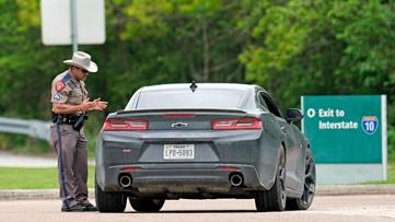 Check points at Louisiana-Texas border open Sunday