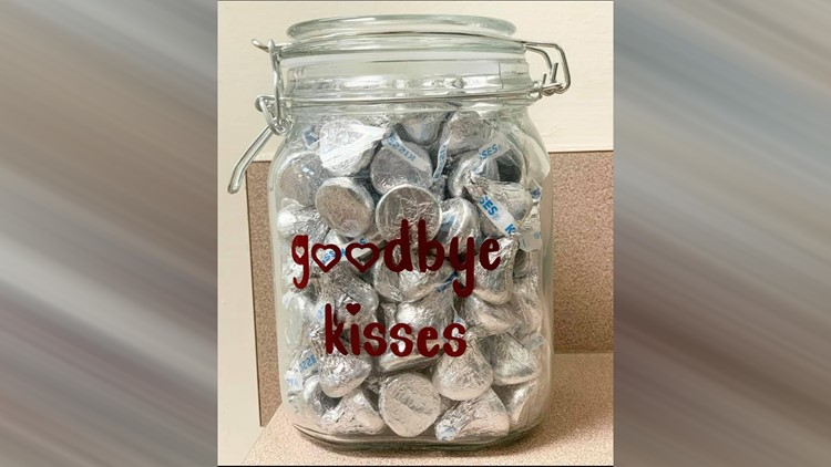 Veterinarian has special 'Goodbye Kisses' for beloved pets
