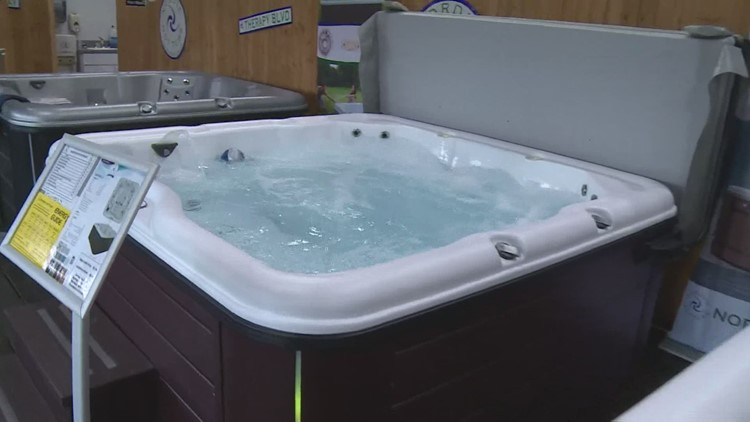 You can rent out your hot tub this fall on this pool sharing app | Here's how it works
